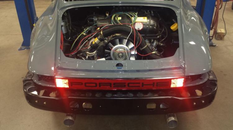 Porsche 911 Safari RS