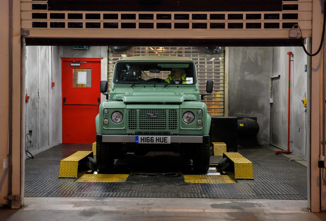 Letzter Land Rover Defender Heritage wird versteigert