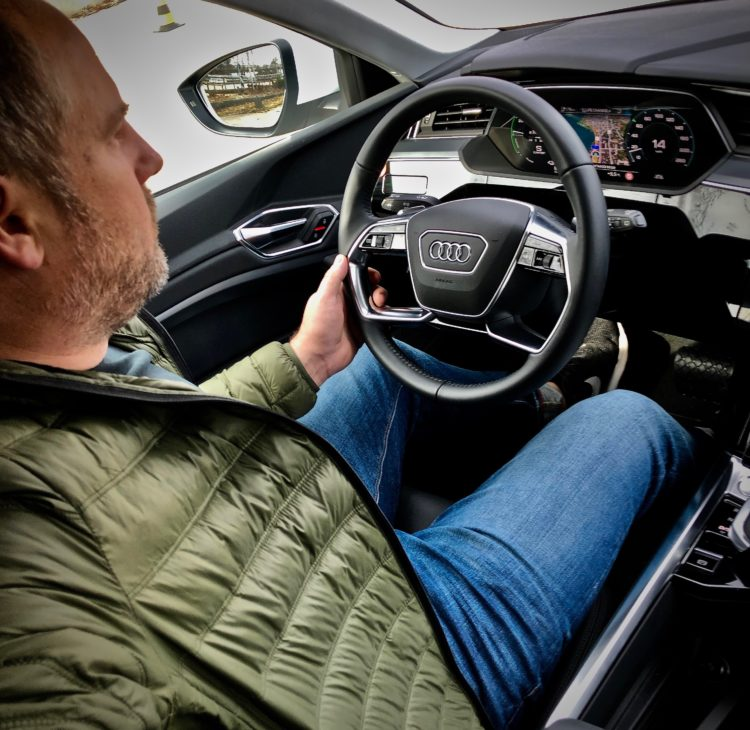 Der neue Audi e-tron in der Schweiz auf Testfahrt