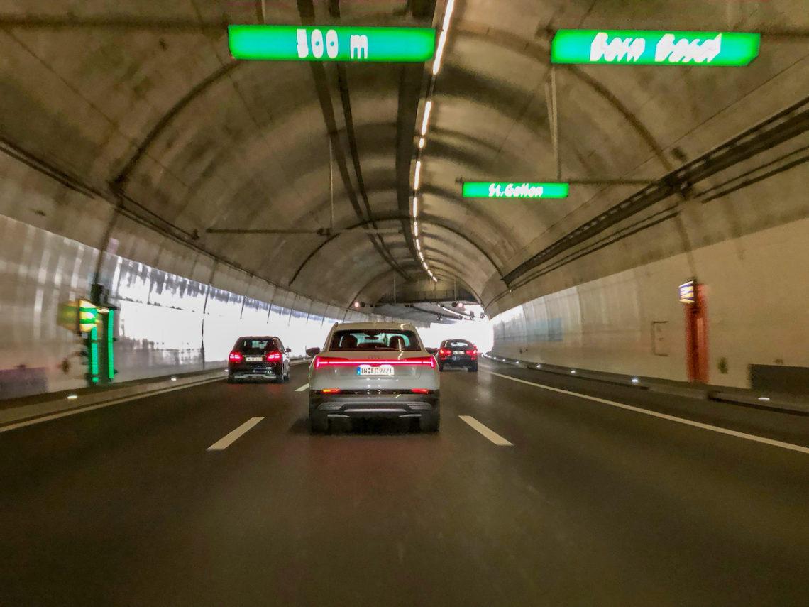 Der erste Audi e-tron auf Schweizer Strassen
