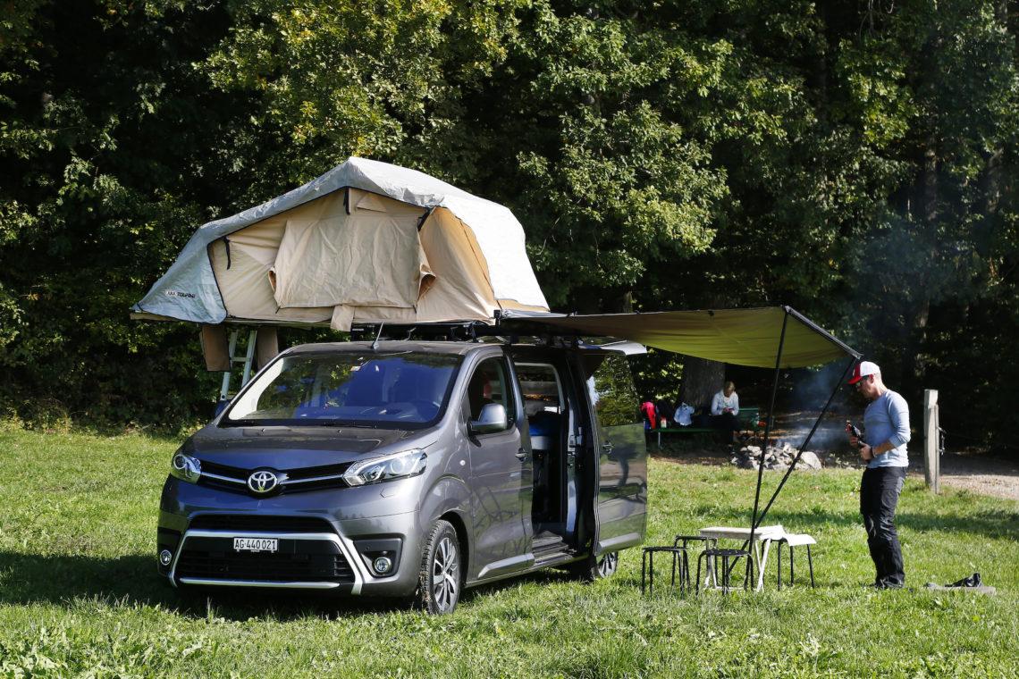 Toyota Proace Verso Family-Camper: das 4×4-Wohnzimmer mit Ququq-Campingbox