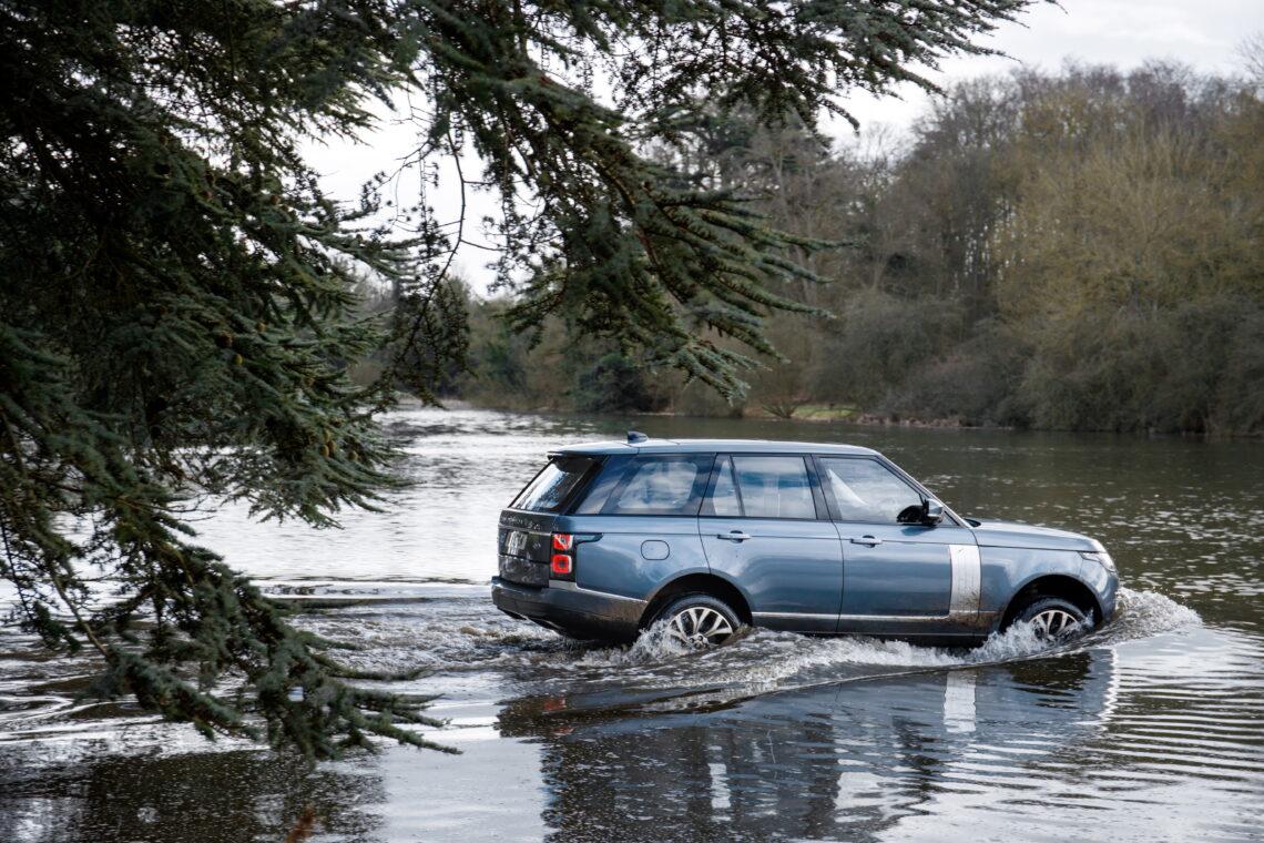 Range Rover P400e Autobiography: Der grüne Lord