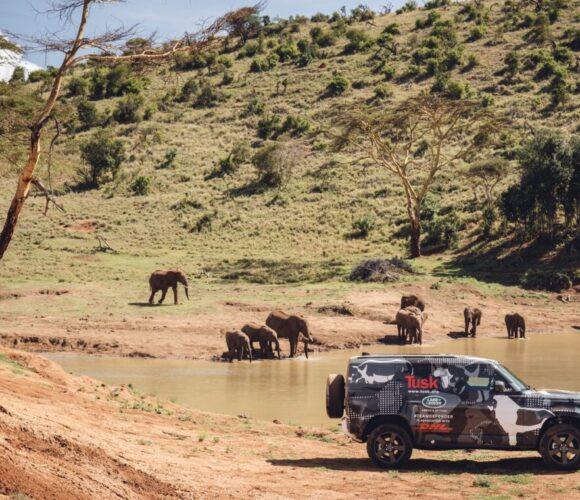 Die Experten der Wilderness Organisation Tusk testen den Land Rover Defender 2020