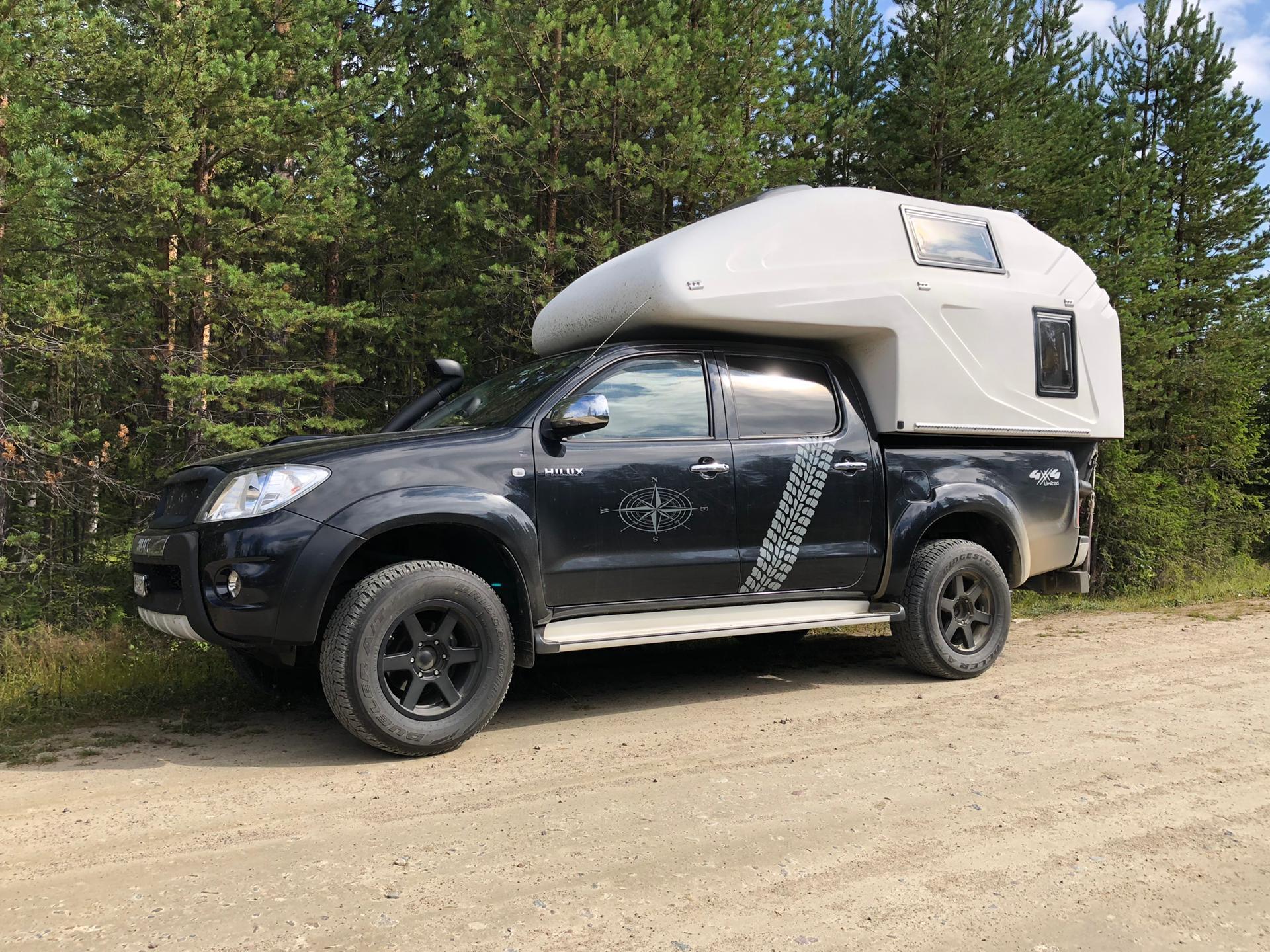 Top Reisefahrzeug für 2 Personen: Toyota Hilux 3.0 mit Wohnkabine zu verkaufen
