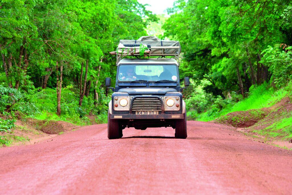 Mit dem Land Rover auf dem Weg von Kenia nach Uganda
