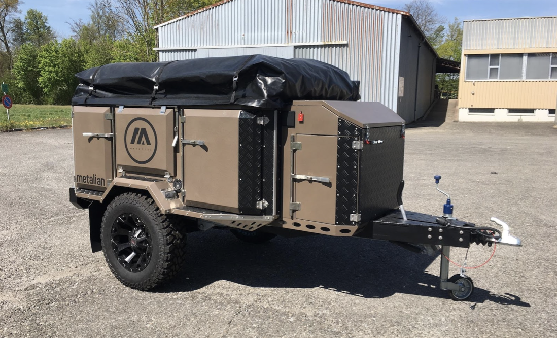 Der MAXI Camping-Anhänger von Metalian: Familie, Raumwunder, Komfort