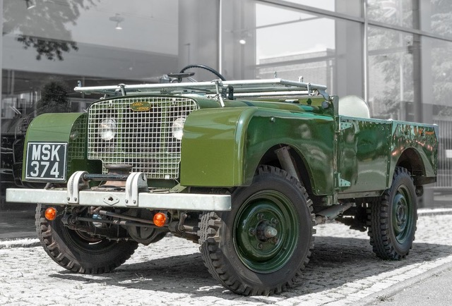 """Land Rover 80 Serie I Plane/ Spriegel """"Lights behind the grill"""""""
